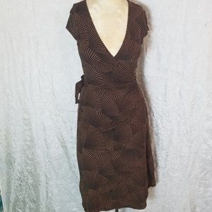 BGBCMaxAzria wrap dress short sleeve size Small